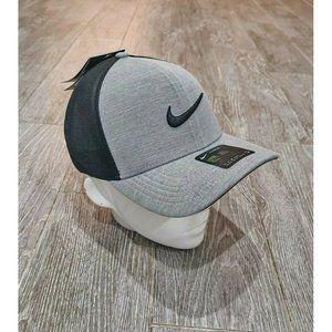 Nike AeroBill Classic99 Snapback Golf Hat Mens